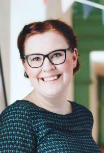 2f8d8d611024 Karin är lifestylefotografen som vidareutbildar sig till kommunikatör på  Örebro Universitet. Kulturtant, byggnadsvårdare och estet ut i  fingerspetsarna.